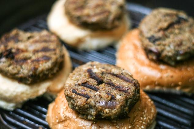 קציצות המבורגר טבעוני במחבת